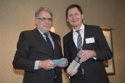 Preisträger Joachim Prölß (r.) und Hartmut Fandrey, Georg Thieme Verlag